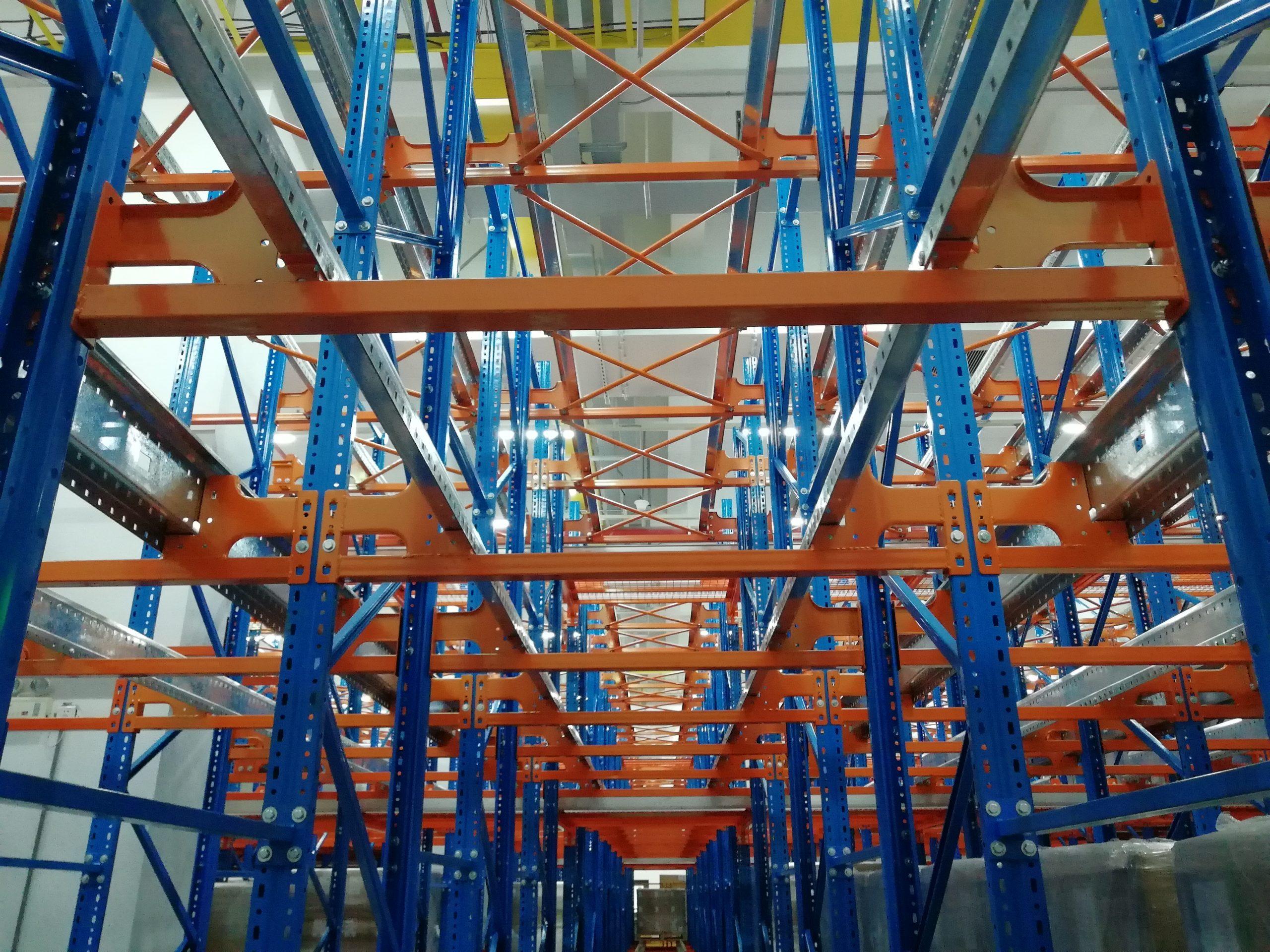 智能四向穿梭车货架自动化立体仓库
